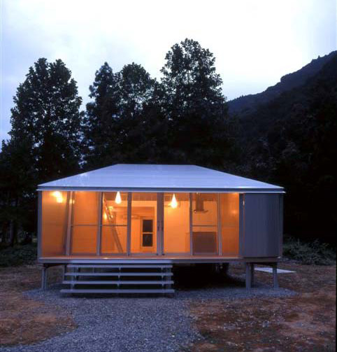 small-japanese-homes-compact-cottage-7