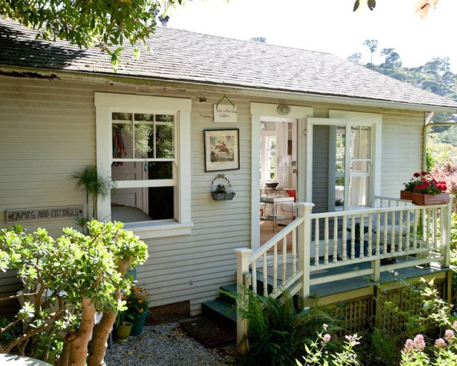 tiny-cottage-in-sausalito-exterior-via-smallhousebliss
