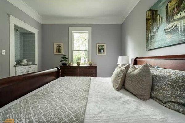 1 storey cozy classic blue house (11)