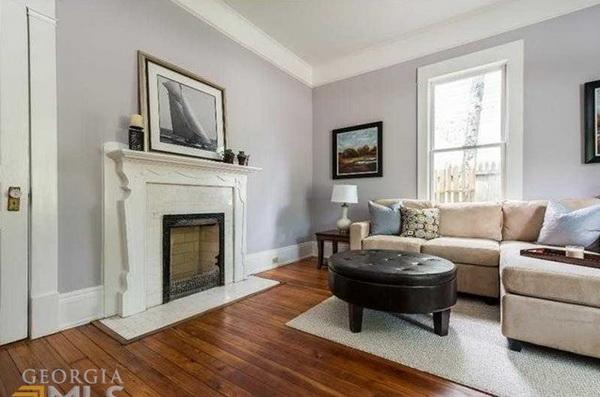 1 storey cozy classic blue house (5)