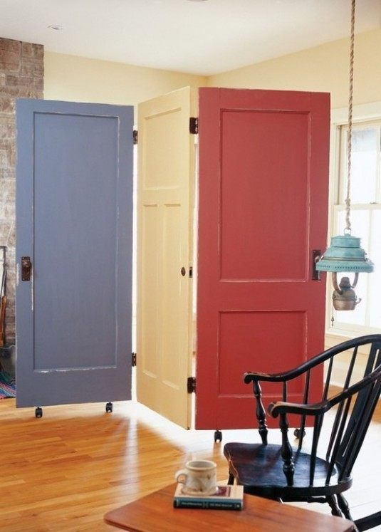 10 ideas of how to reuse old doors (5)