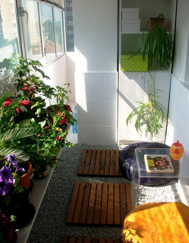 15 mini porch garden ideas for apartment (1)
