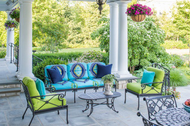 18-Charming-Traditional-Patio-Designs-You-Will-Fall-In-Love-With-11-630x419