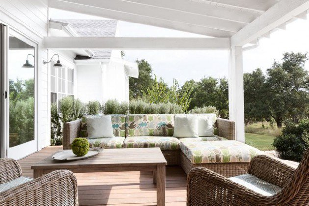 18-Charming-Traditional-Patio-Designs-You-Will-Fall-In-Love-With-4-630x421