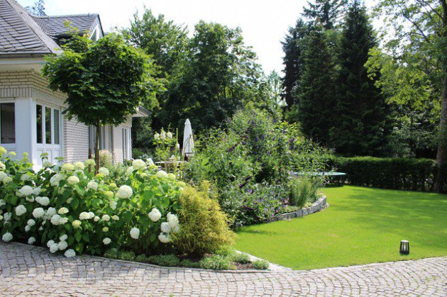 18-Mesmerizing-Traditional-Landscape-Designs-For-A-Fairy-Tale-Garden-15-630x419