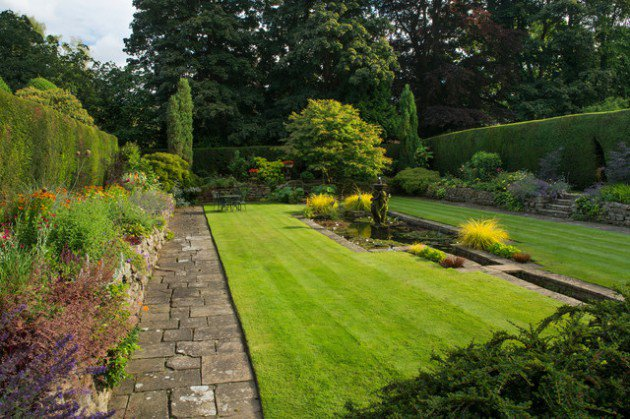 18-Mesmerizing-Traditional-Landscape-Designs-For-A-Fairy-Tale-Garden-17-630x419