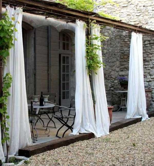 21 privacy screen in backyard garden ideas (19)