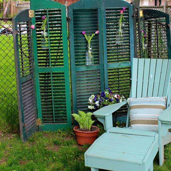 21 privacy screen in backyard garden ideas (22)