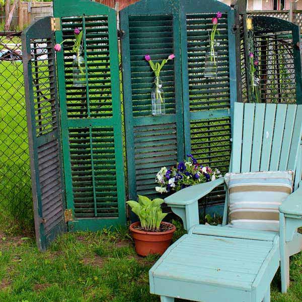 21 privacy screen in backyard garden ideas (22)