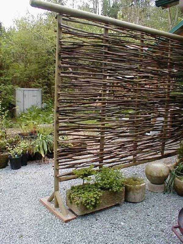 21 privacy screen in backyard garden ideas (5)