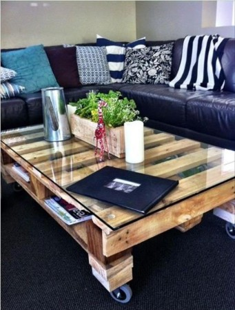 50 diy pallet table ideas (29)