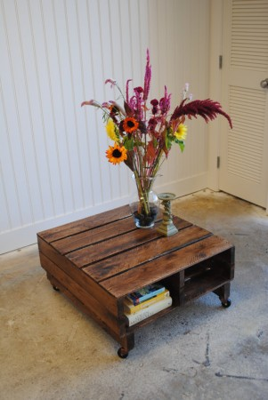 50 diy pallet table ideas (34)