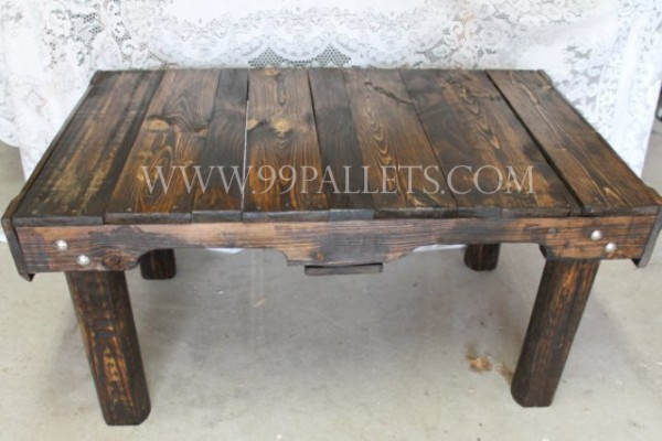 50 diy pallet table ideas (40)