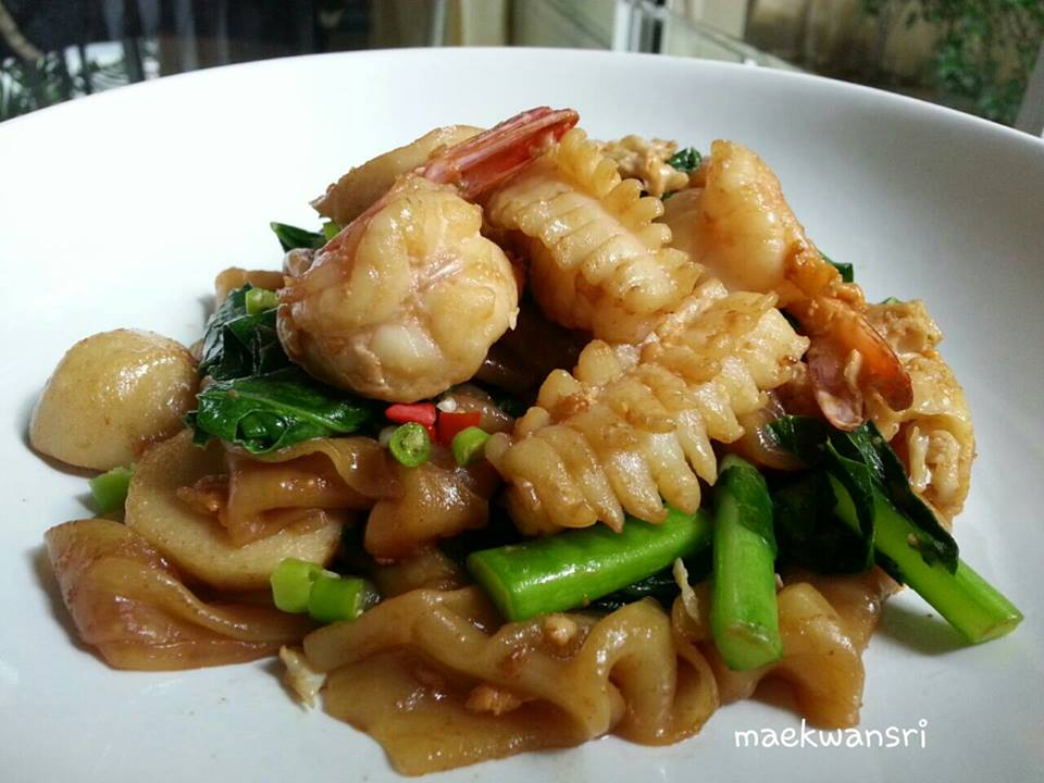 Chinese fried noodles (3)