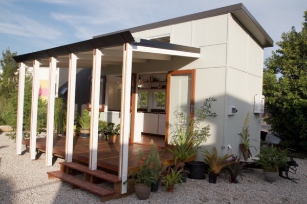 Modern-THOW-Australia-Tiny-House-Company-001-600x398
