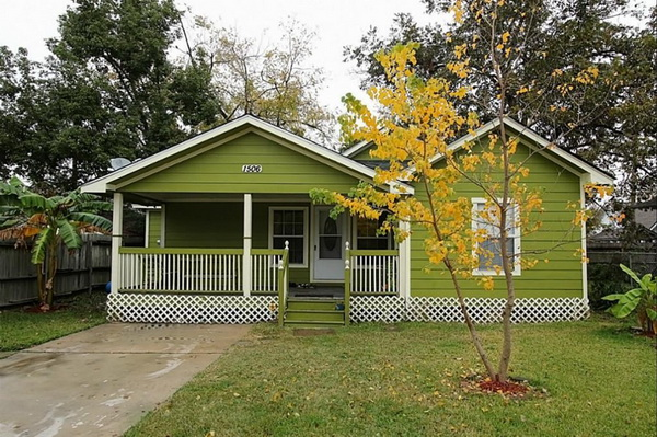 charming green vintage house (1)