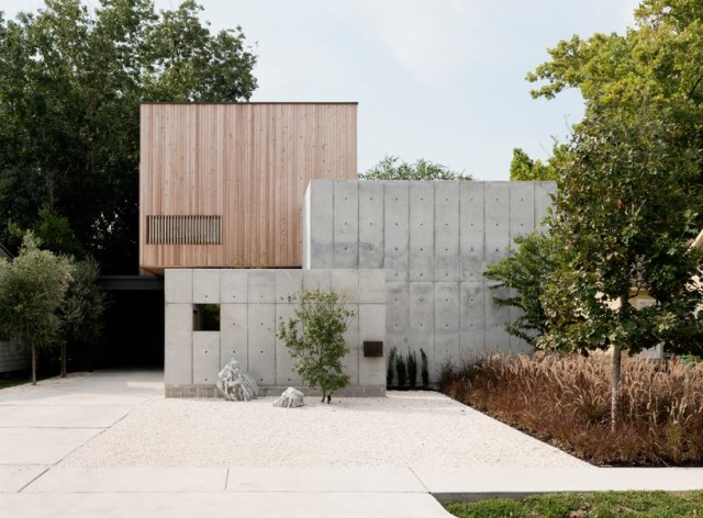 christopher-robertson-concrete-box-house-texas-designboom-011-818x603