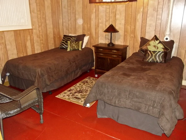 cozy classic gable house (18)