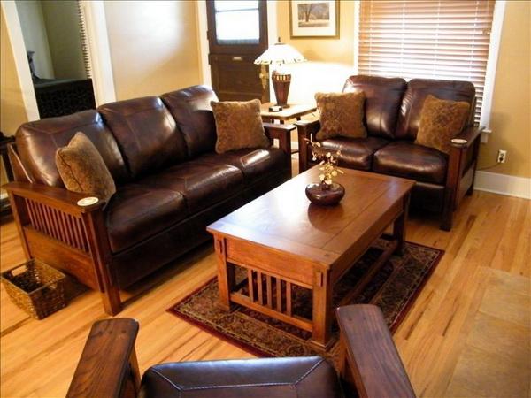 cozy classic gable house (4)