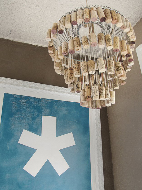 diy-wine-cork-chandelier-design