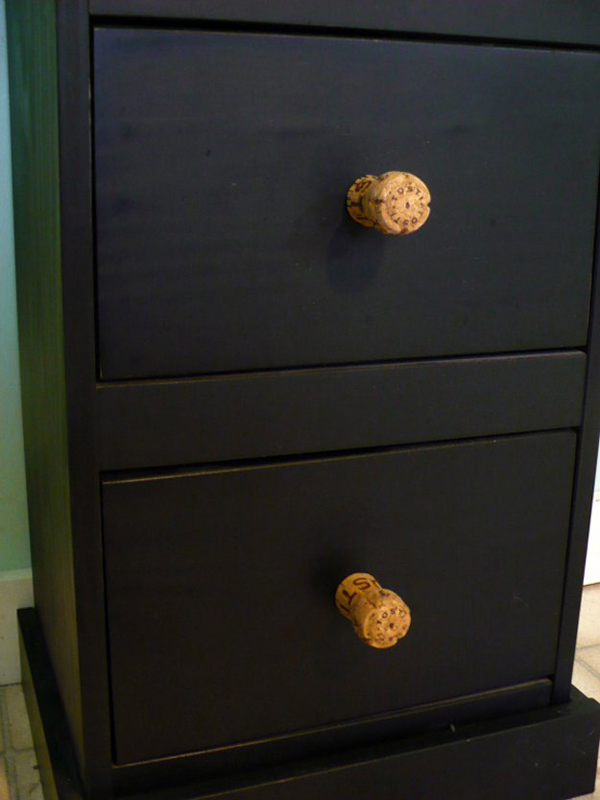 diy-wine-cork-drawer-knobs
