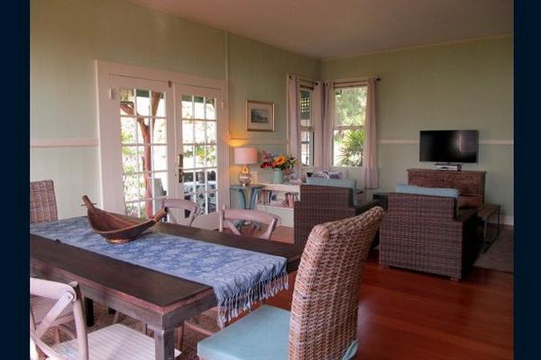 green hawaii bungalow (2)