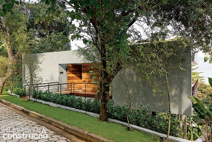 raw concrete modern house with scenery (2)