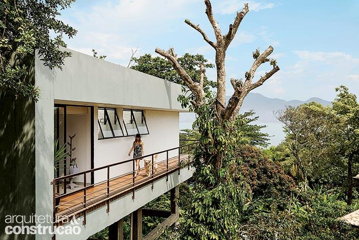 raw concrete modern house with scenery (3)