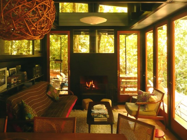recycled-materials-cottage-4