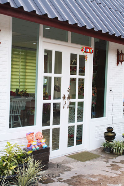 renovate old garage into white florist review (22)