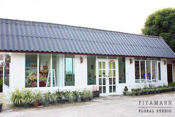 renovate old garage into white florist review (24)