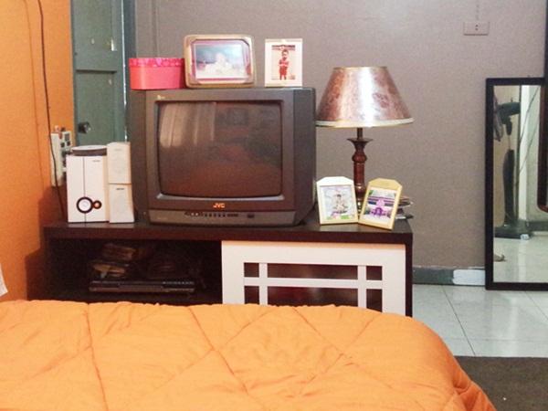 renovate orange bedroom review (20)