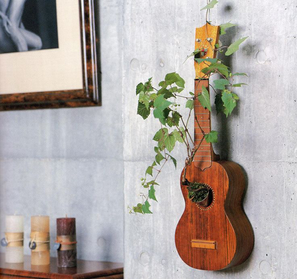 repurpose-guitar-planter-wall-hanging