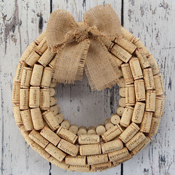 simple-diy-wine-cork-wreath