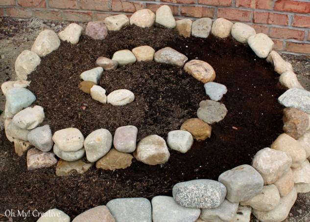 spiral garden diy (7)