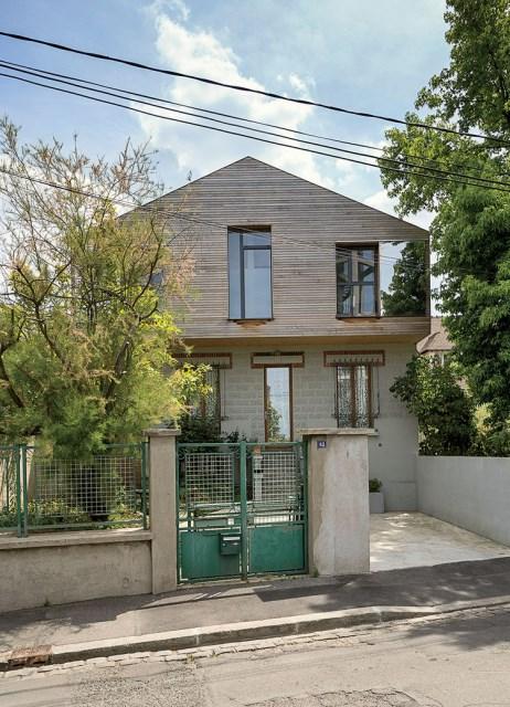 the-outer-limits-paris-prefab-home-facade-concrete-red-cedar