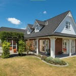 บ้านตากอากาศแต่งอิฐสวย ออกแบบเฉลียงรับลม ดึงบรรยากาศภายนอกเข้าสู่ตัวบ้าน