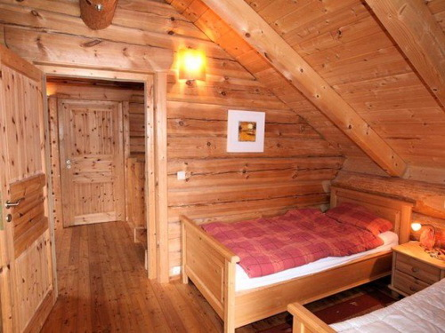 traditional rustic log cabin (1)
