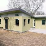 บ้านโมเดิร์นขนาดเล็ก หลังคาทรงปีกผีเสื้อ รองรับครอบครัวแรกเริ่ม
