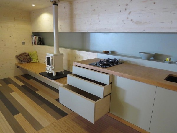 135-Sq-Ft-Off-Grid-Wave-Cabin-by-Eco-Living-005-600x450
