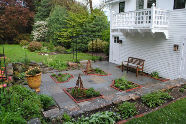 15-Wonderful-Transitional-Landscape-Designs-For-A-Heavenly-Garden-10-630x421