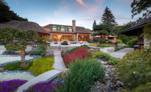 15-Wonderful-Transitional-Landscape-Designs-For-A-Heavenly-Garden-11-630x386
