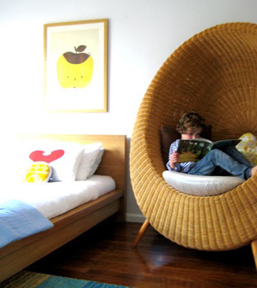 17 adorable reading nook ideas (9)