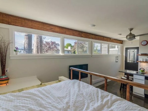 250-sq-ft-Vancouver-Tiny-House-for-sale-0016-600x449