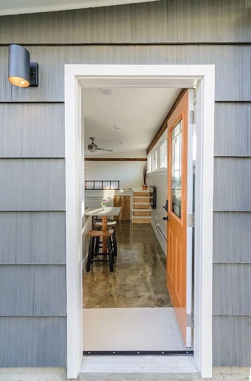 250-sq-ft-Vancouver-Tiny-House-for-sale-002