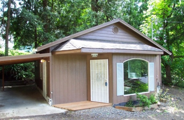 711-sq-ft-small-home-for-sale-olympia-001-600x390