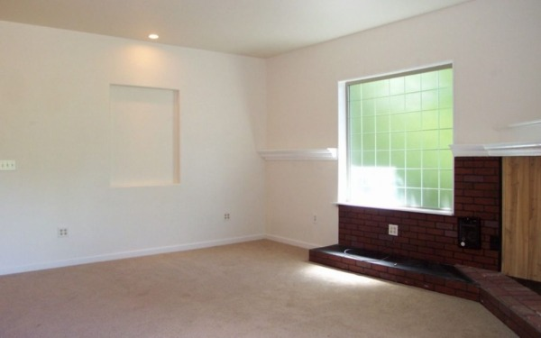 711-sq-ft-small-home-for-sale-olympia-0010-600x375