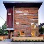 บ้านสองชั้นสไตล์โมเดิร์น ตกแต่งทันสมัยด้วยไม้เก่า ให้อารมณ์อาร์ตๆ