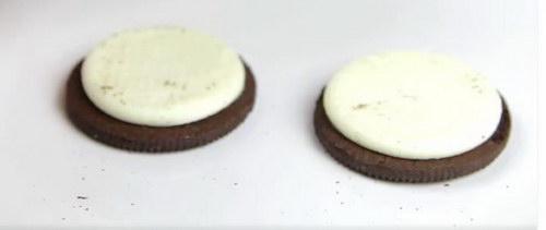 Chocolate Covered Reese's Stuffed Oreos recipe (2)
