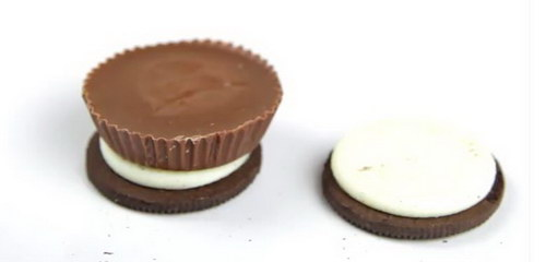 Chocolate Covered Reese's Stuffed Oreos recipe (3)